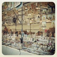 bancarella sul Lungomare di Bari