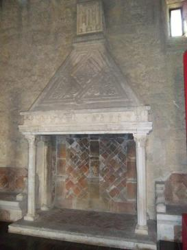 Kamin in Thronsaal