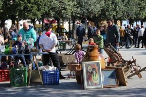 Trubel auf dem Flohmarkt