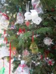 weihnachtsbaum-vor-sant-giuseppe-deko