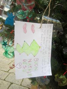 weihnachtsbaum-vor-sant-giuseppe-detail